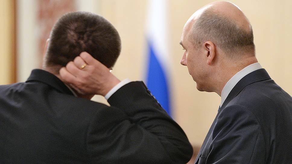 Сравнительный оптимизм Алексея Улюкаева (слева) в числовом выражении не сильно отличается от сравнительного пессимизма Антона Силуанова