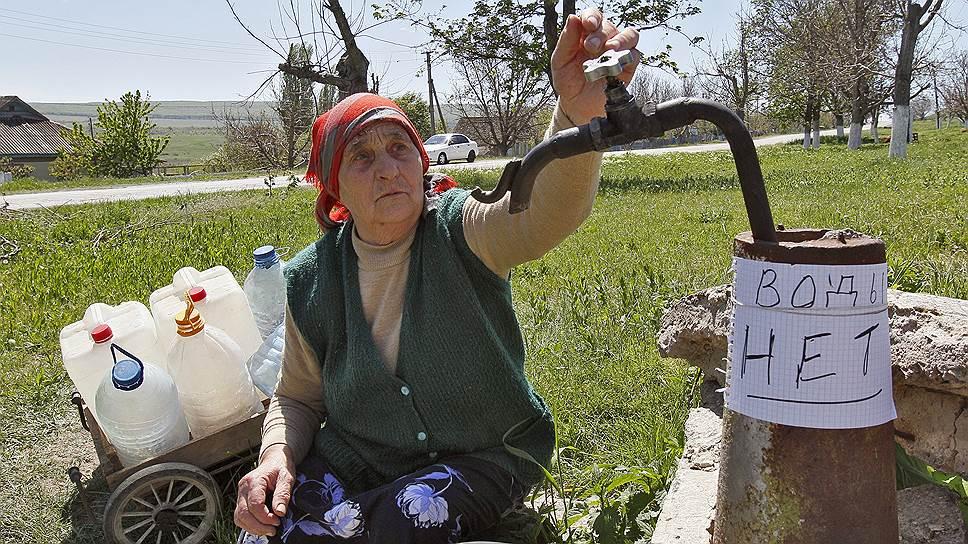 В Крыму четыре десятка поселков, где вода только привозная