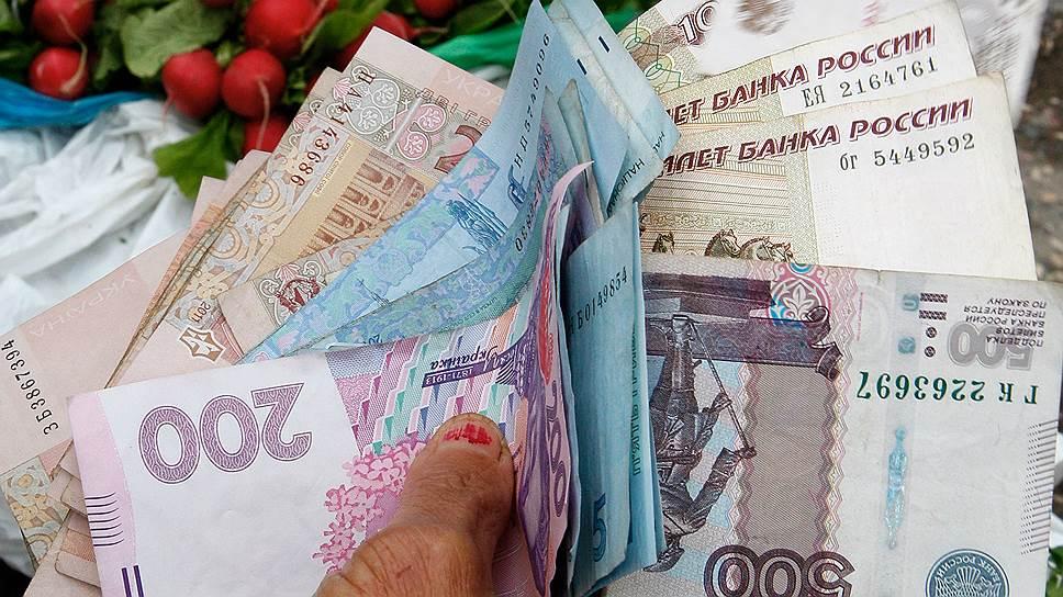 В отсутствие платежных систем в Крыму сегодня оперируют наличными