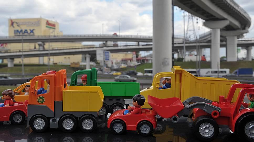 Обратная сторона высокой проходимости в ТРЦ — дикие пробки на подъездах к ним