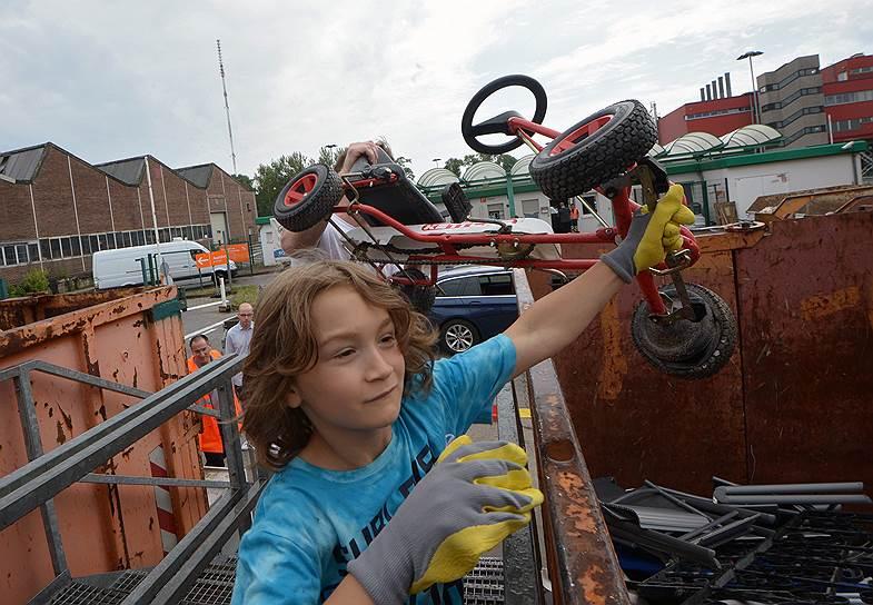 В Германии родители берут с собой детей на станции сортировки мусора: забота об окружающей среде — особенность национальной культуры