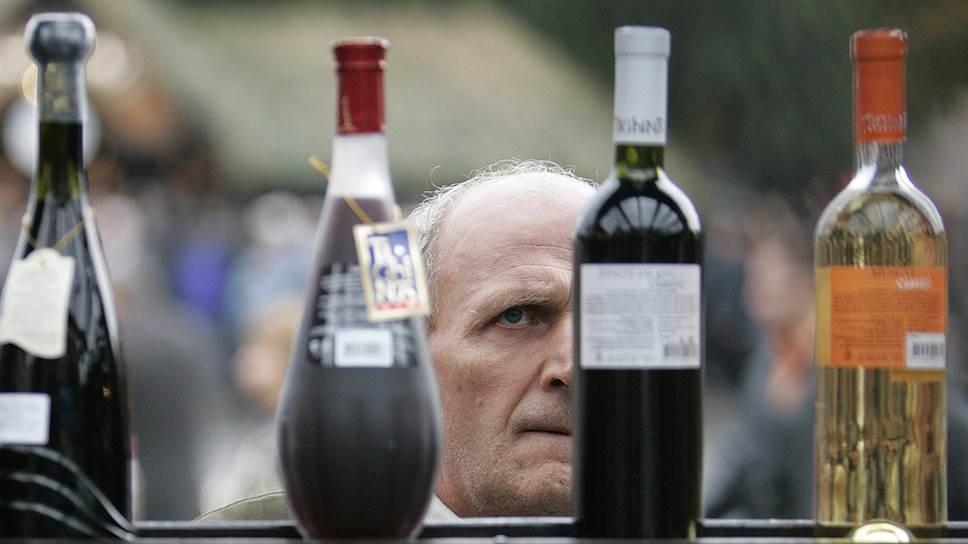 Несмотря на то что российские ценители молдавских вин относились не только к малообеспеченным слоям, страна почти полностью потеряла наш рынок