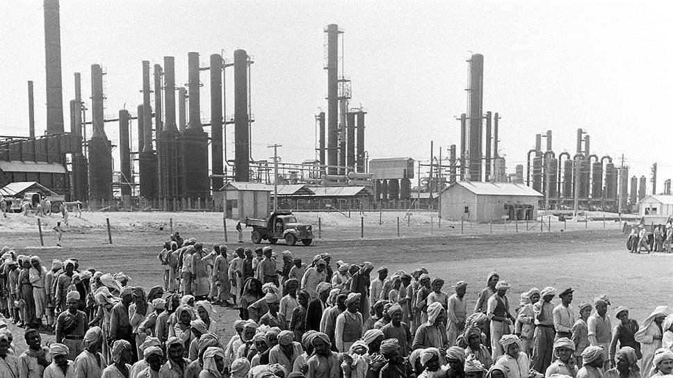 В 1960-1970 годы страна пережила стремительную индустриализацию и урбанизацию. Но вчерашние крестьяне оказались плохой рабочей силой для современной промышленности