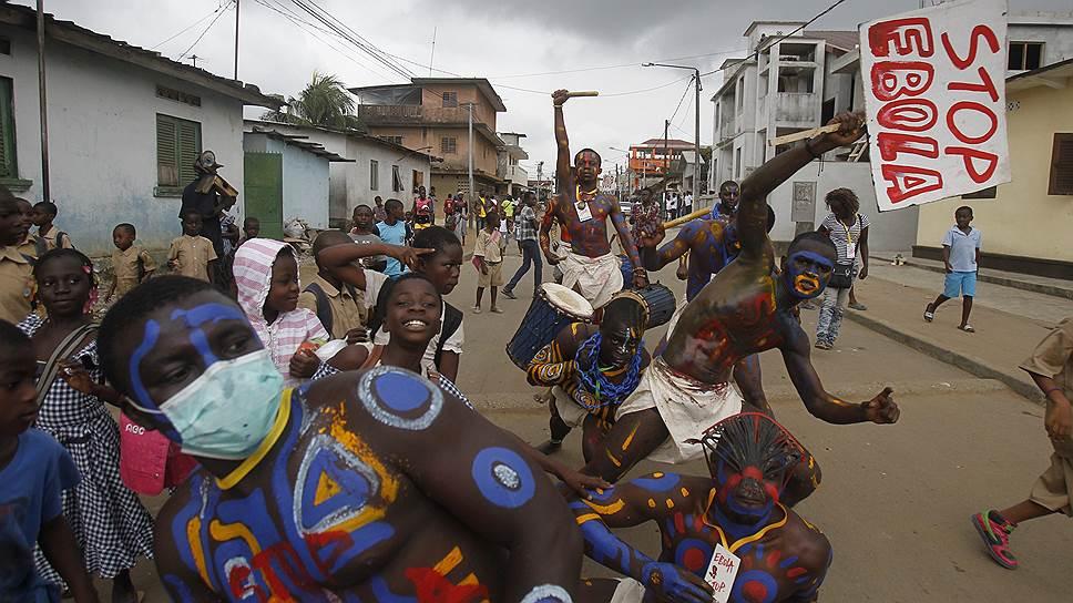 Теперь мир вынужден бросить силы на борьбу с недугом, который до этого считался исключительно африканской проблемой