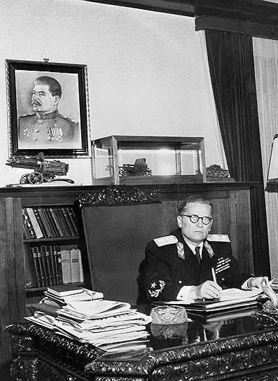 Тито поссорился со Сталиным в 1948 году и на годы получил в СССР клеймо ревизиониста