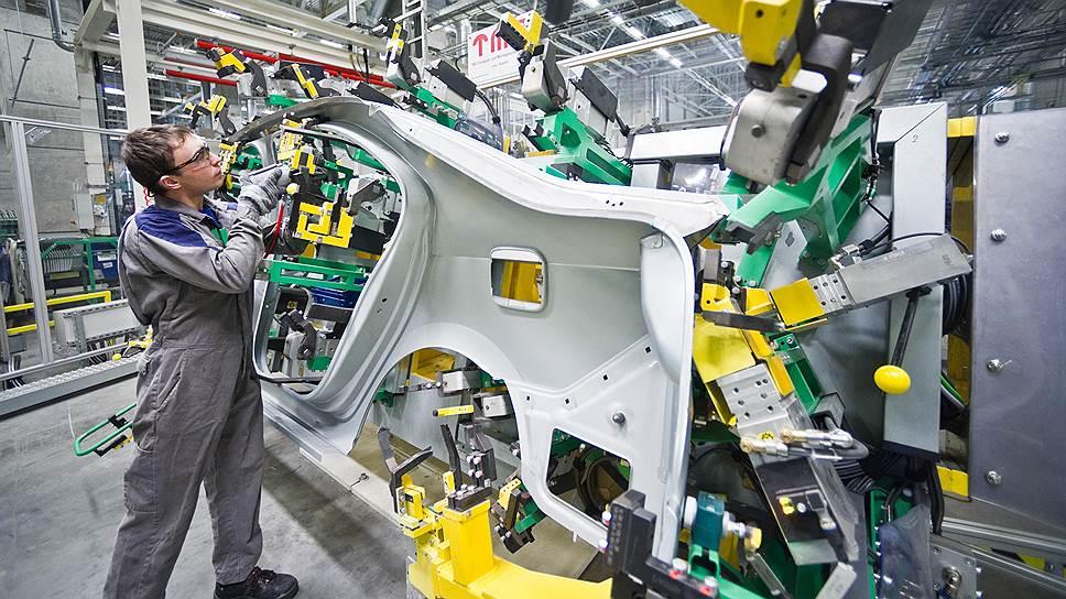 3996 сварочных точек, 7 метров электродуговой сварки и 6 метров лазерных швов соединяют между собой детали кузова Skoda Rapid