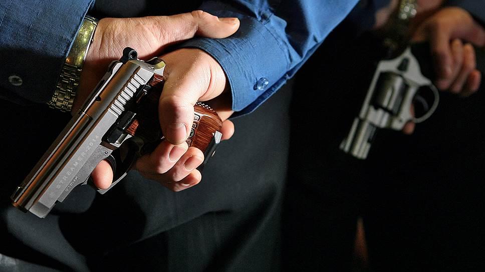 Можно ли разрешать гражданам носить оружие?