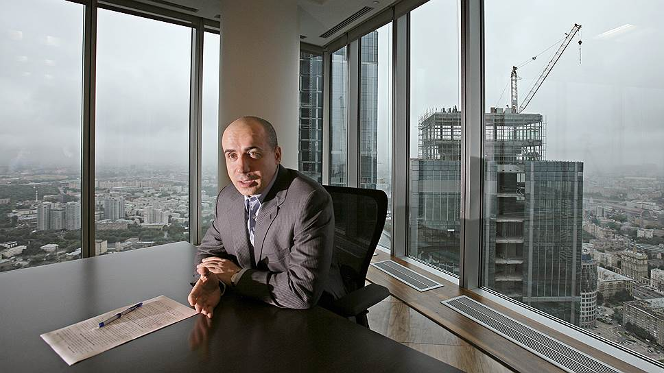 Проекты для инвестиций Юрий Мильнер ищет и на высокотехнологичном Западе, и на активно растущем Востоке