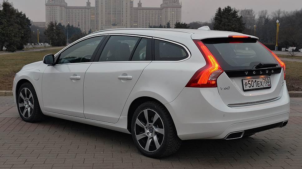 Система AWD у гибрида не такая, как у традиционных Volvo: механического привода, передающего крутящей момент к задним колесам нет — только провода