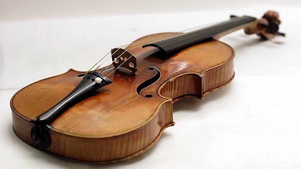 Скрипка работы Антонио Страдивари 1727 года, известная как Davidoff-Morini, была украдена из нью-йоркской квартиры известной австрийской скрипачки Эрики Морини в 1995 году. Стоимость инструмента оценивается в $3,5 млн