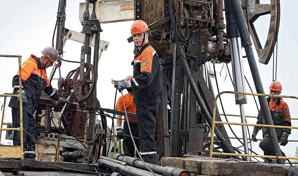Большинство жителей города так или иначе связано с нефтедобычей