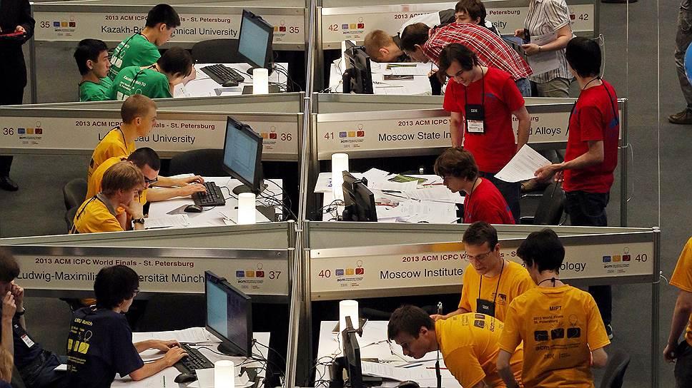 Самые высокооплачиваемые в нашей стране программисты пишут на Java — ведущий разработчик в среднем получает 155 тыс. руб. в месяц