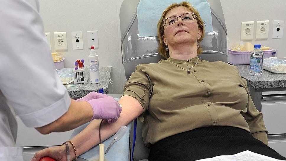 Вероника Скворцова готова защищать честь российского здравоохранения до последней капли крови
