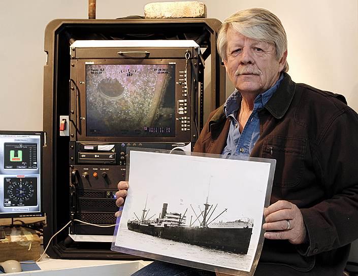 Грег Брукс собрал с инвесторов $5 млн, обещая, что поднимет с затонувшего британского торгового судна Port Nicholson груз стоимостью $3,6 млрд