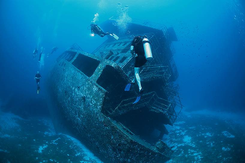 Количество кораблей, которые покоятся на дне Мирового океана, захватывает воображение — по оценкам ЮНЕСКО, их около трех миллионов