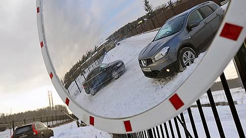 Лево рубля  / Сайты по продаже машин и дилеры фиксируют резкий рост числа сделок с автомобилями, которые уходят на экспорт