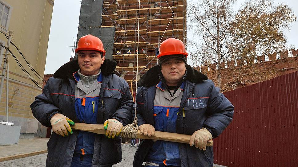 Россияне вовсе не стремятся занять рабочие места, которые освобождают уезжающие домой трудовые мигранты