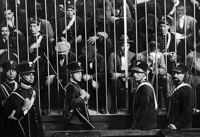 До прихода Муссолини к власти процветанию мафии не мешали даже массовые аресты
