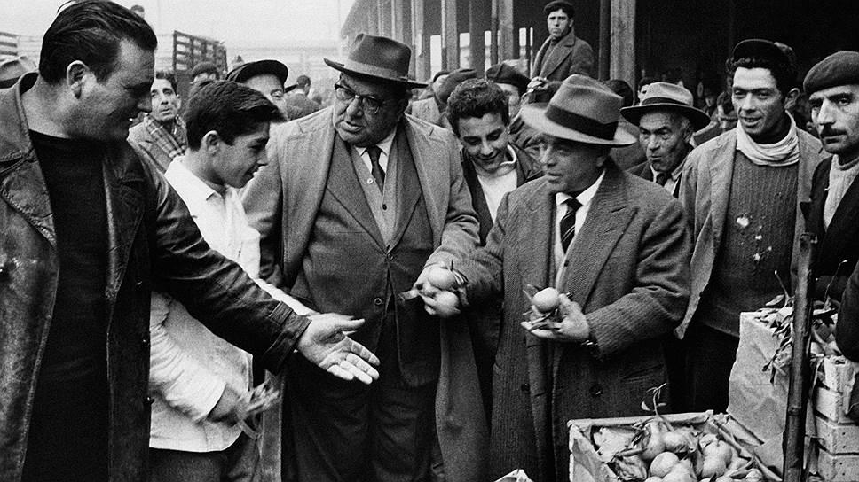 Считается, что за пределами Сицилии всемогущая мафия контролирует продовольственные рынки и некоторые другие бизнесы