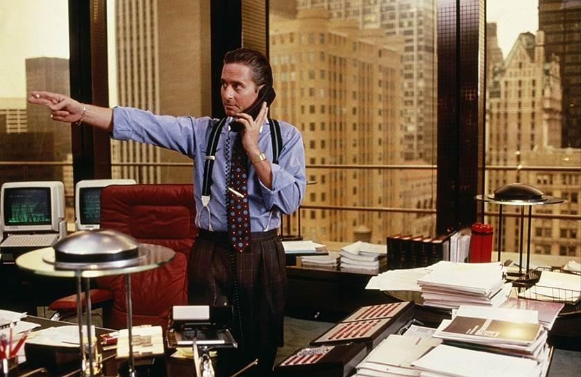 """Культовым """"Уолл-стрит"""" Оливера Стоуна стал не только благодаря игре Майкла Дугласа, но и благодаря """"черному понедельнику"""" — биржевому краху 19 октября 1987 года"""
