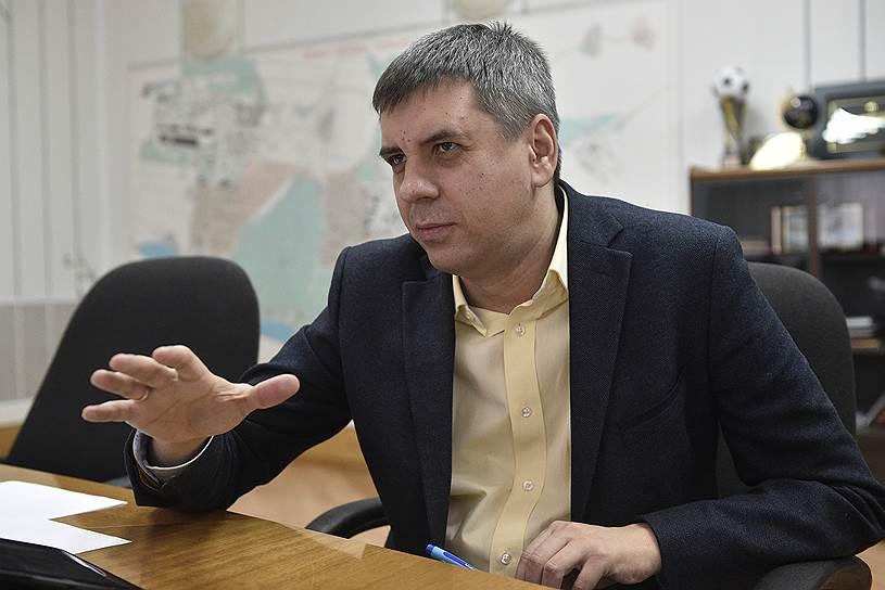Мэр Тольятти Сергей Андреев ездит на Lada Vesta и хвалит ее