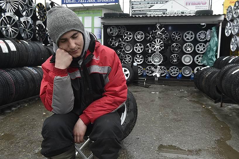 """Бизнес на главном тольяттинском рынке автозапчастей """"Пламя"""" выглядит все скучнее, как и мода на тюнинг Lada"""