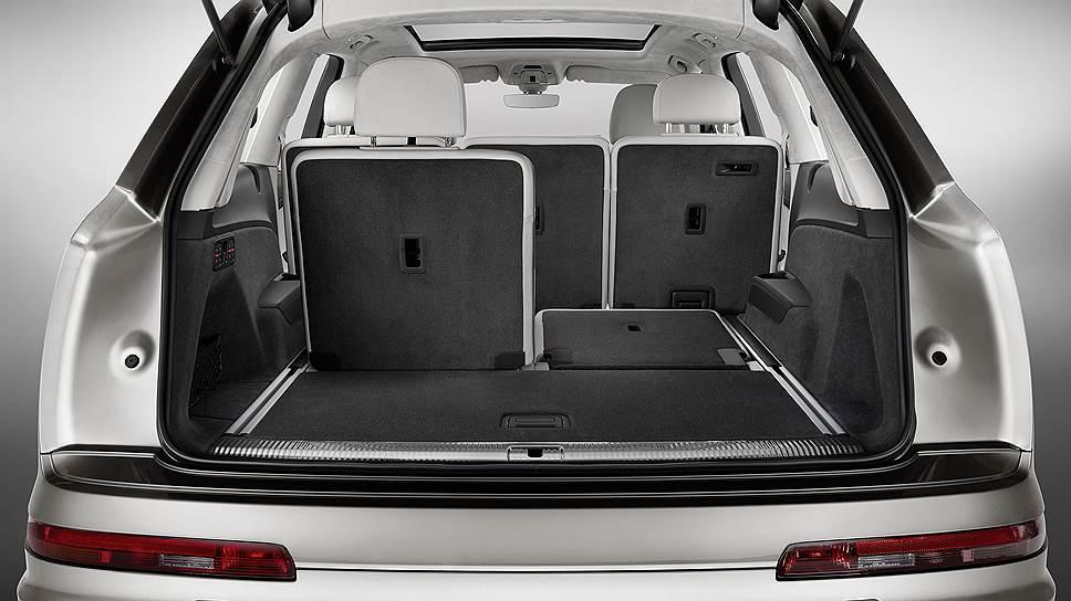 Объем багажника варьируется в пределах 890-2075 л, спинки сидений третьего ряда складываются с помощью электропривода