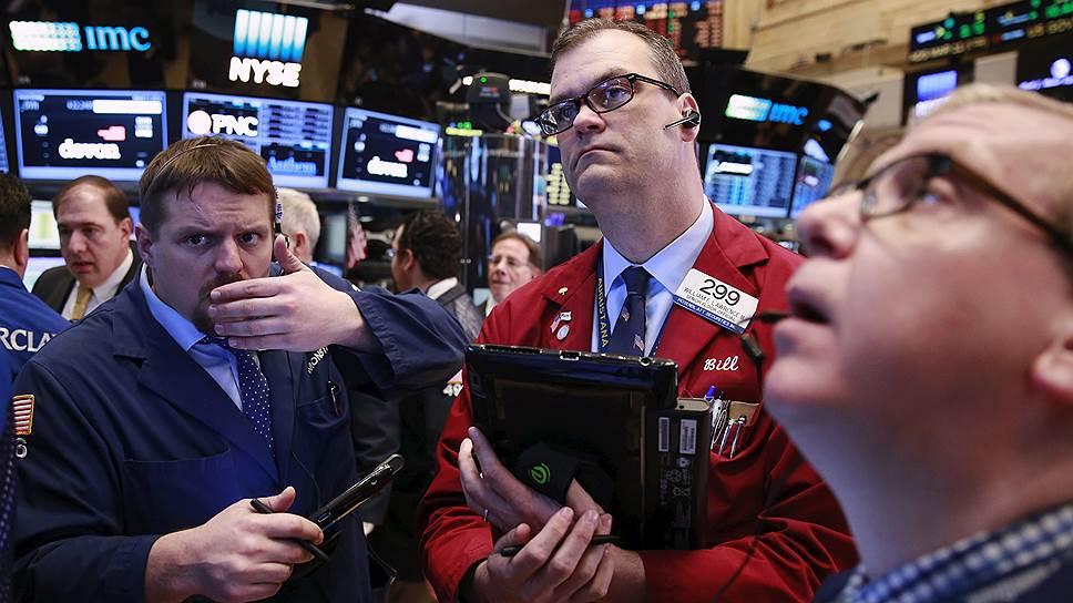 Чертой времени стала волатильность не только на рынке акций — цену на золото тоже бросает то в жар, то в холод