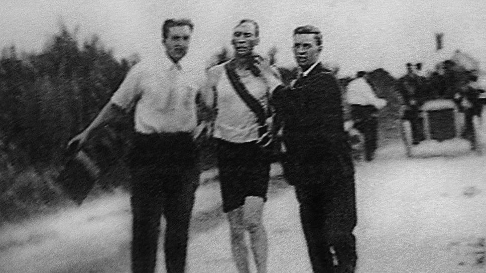 Американского легкоатлета Тома Хикса травили стрихнином и спаивали бренди, но он все равно стал олимпийским чемпионом