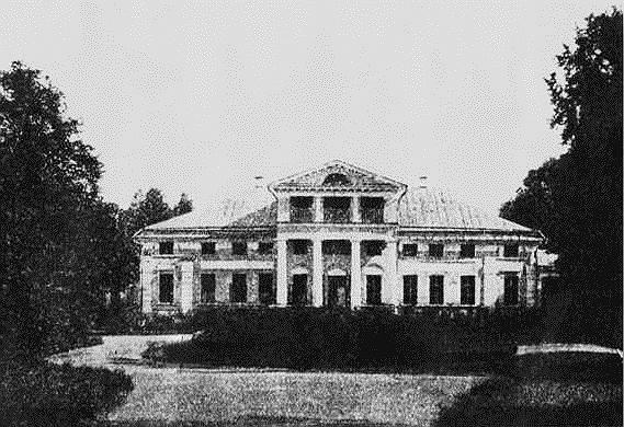С. А. Рачинский постоянно жил в созданной им школе, а основной дом с книгами и ботаническими коллекциями оставался для него памятником той жизни, которой он уже не жил