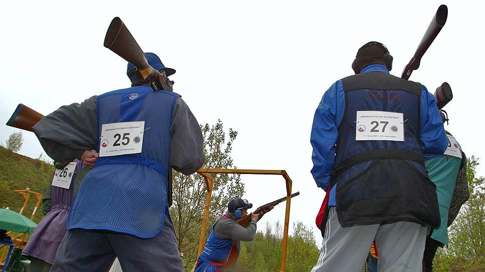 Стрелковый спорт в России набирает популярность — например, практической стрельбой занимаются несколько десятков тысяч человек
