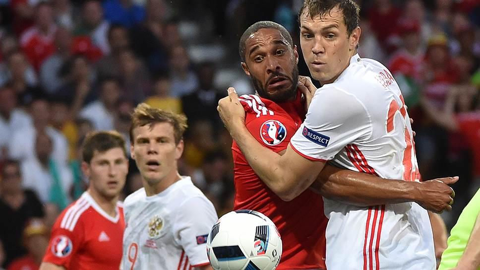 Несмотря на то что сборная Уэльса впервые участвовала в чемпионате Европы, она разгромила сборную России, а форвард последней Александр Кокорин, державшийся в тени весь турнир, громко заявил о себе только после вылета с него