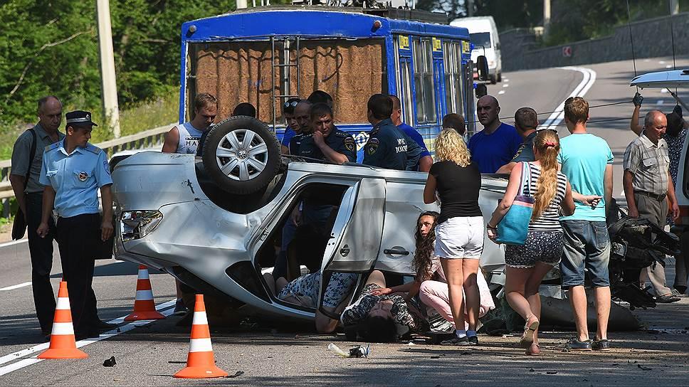 Каждый год в автомобильных авариях на российских дорогах гибнет 25 тыс. человек
