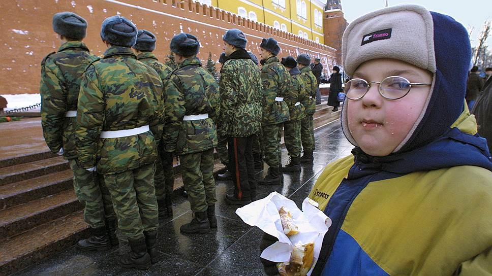 Современные дети так часто получают диагноз «Ожирение», что в армии скоро будет некому служить