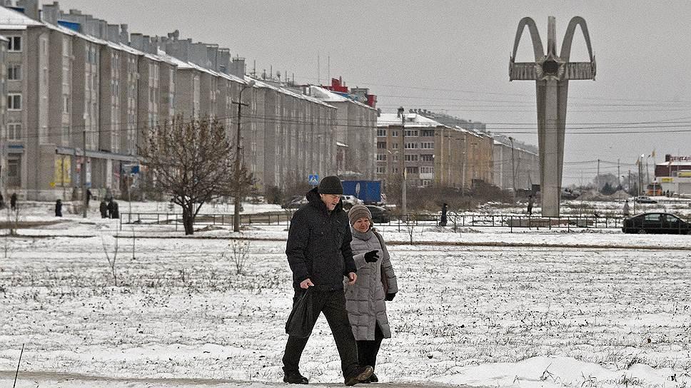 Котлашане говорят, что район пустеет: за последние пять лет из Архангельской области уехало более 300 тыс. человек, поэтому профессионалов в городе все меньше