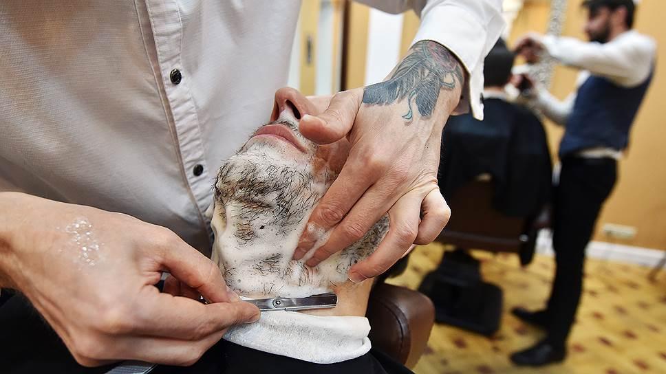 Среди самых популярных услуг в барбершопах не только стрижки, но и опасное бритье
