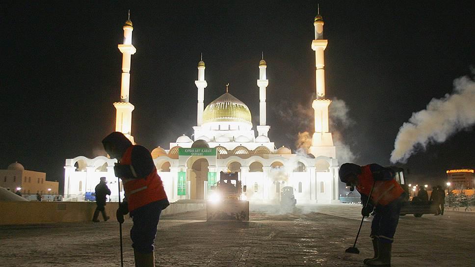 Религия играет в жизни казахского общества не очень значительную роль