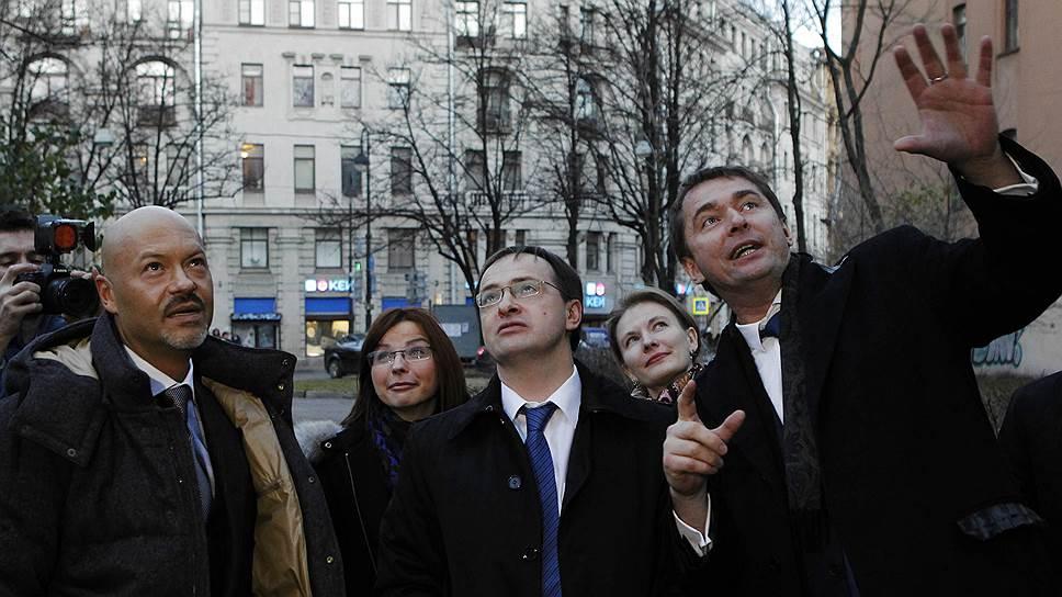 """После назначения Эдуарда Пичугина (на фото справа) его деловой партнер Федор Бондарчук активно подключился к возрождению """"Ленфильма"""""""