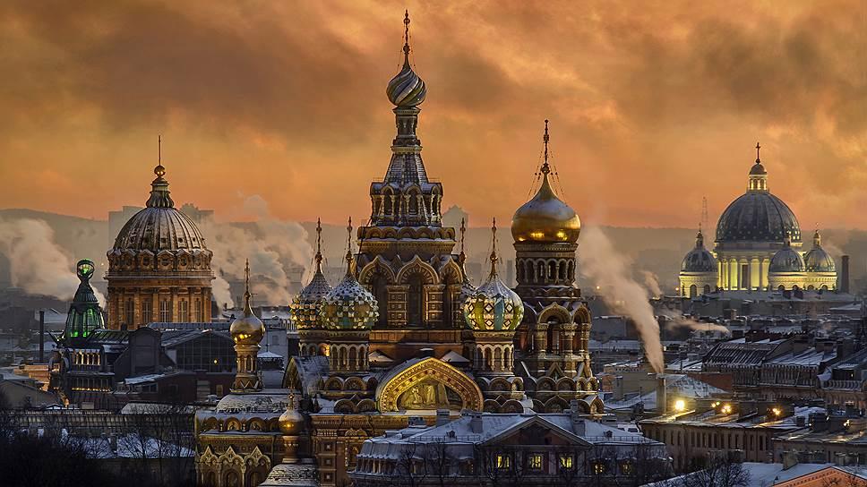 Храм Спаса на Крови несколько раз пытались снести под предлогом того, что он не вписывается в архитектурный облик Санкт-Петербурга