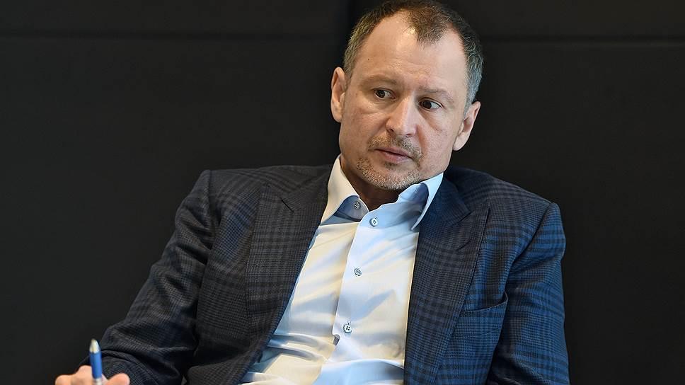 Виталий Орлов после скандала с Pacific Andes вынужден был выкупить доли в холдинге «Неребо» у иностранного партнера, отказаться от норвежского гражданства и переехать в Мурманск