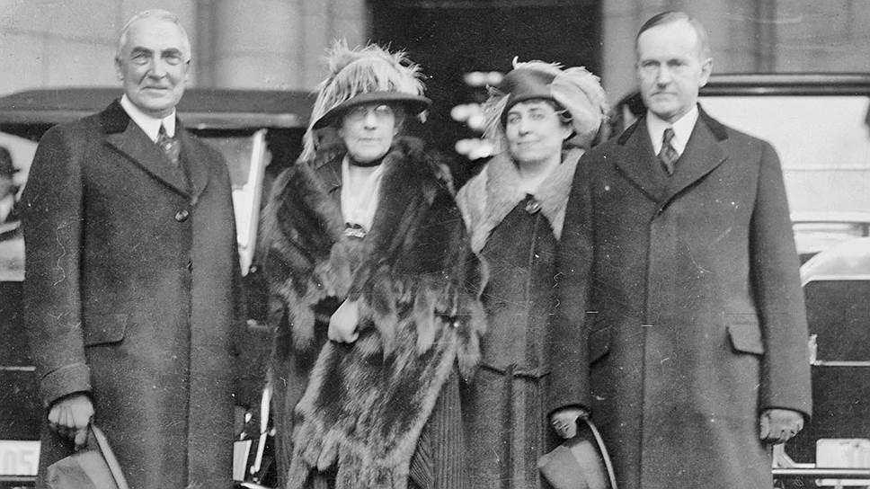Участие президента Кулиджа и его семьи в спиритических сеансах было веским доказательством того, что суевериям подвержена американская элита