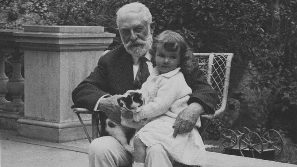 Проведя несколько месяцев с семьей в Европе, Генри Фрик решил создать оазис европейской культуры в Америке
