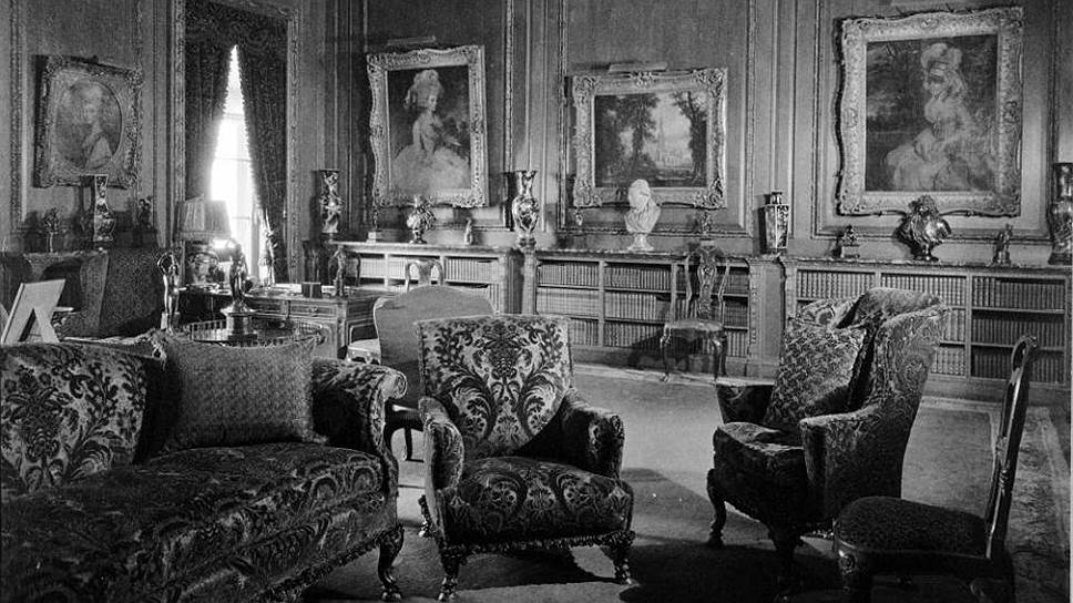 Генри Фрик лично занимался расстановкой мебели и развешиванием картин