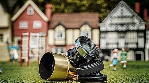 Камера смотрит в дом  / Гаджеты и сервисы для видеонаблюдения