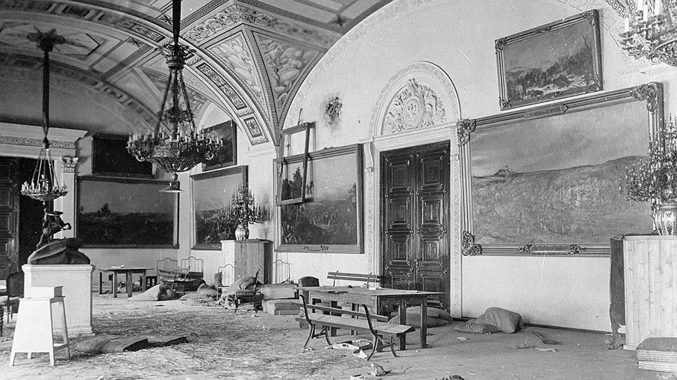 Распродажа Эрмитажа: как большевики торговали шедеврами