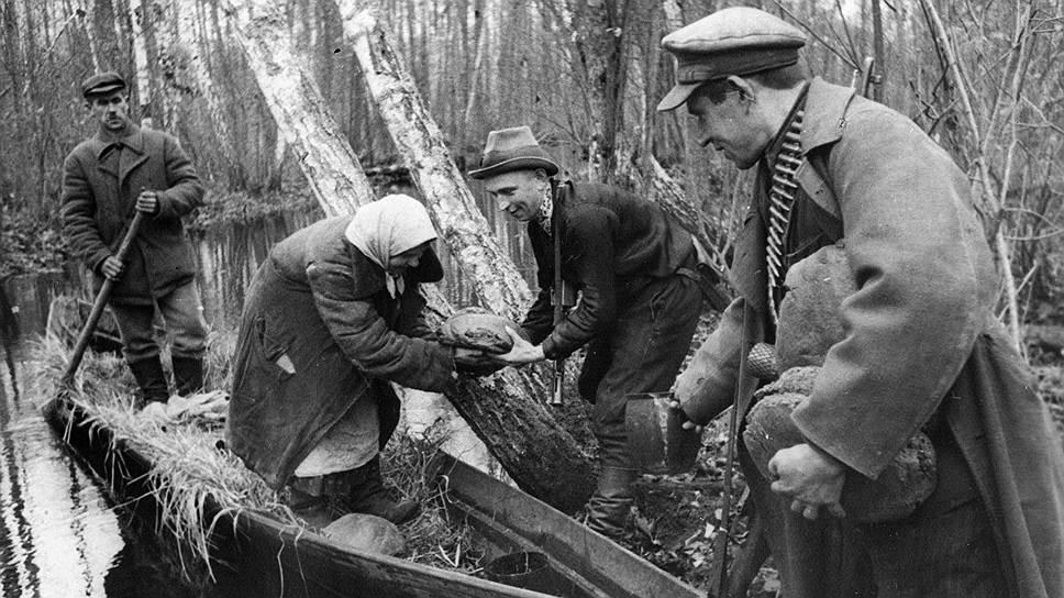 Партизанские отряды всеми способами старались подорвать порядок, который фашисты устанавливали на оккупированных территориях