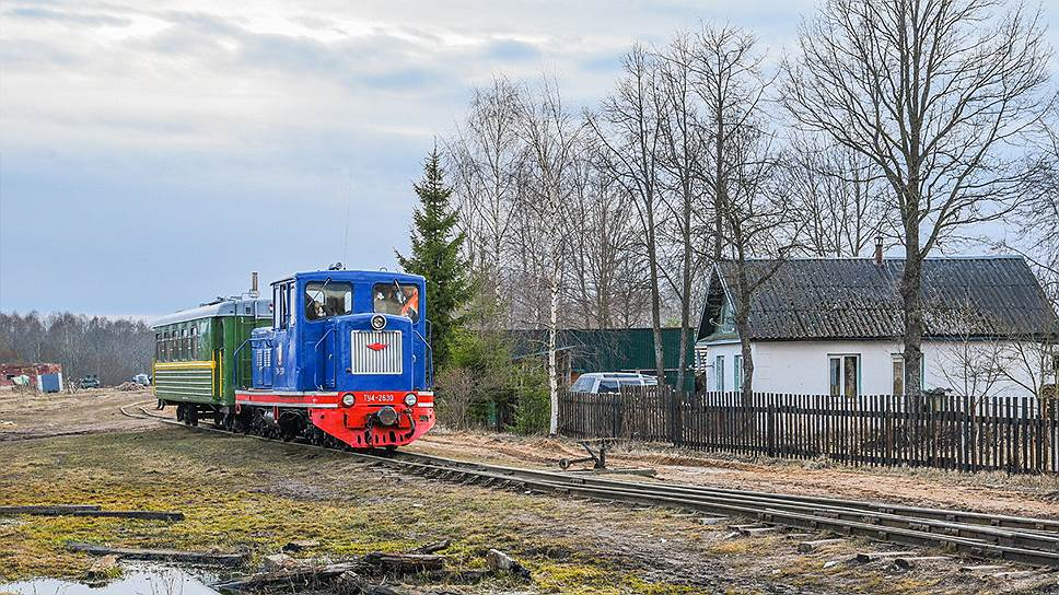 Энтузиасты из Санкт-Петербурга собрали коллекцию старой техники и в 2014 году открыли под Новгородом музей Тесовской железной дороги