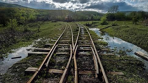 Узкие не сдаются  / Романтика и реальность заповедных железных дорог