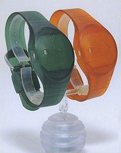 Когда эти «часы» из зеленых становятся красными, врач понимает, что ему пора мыть руки