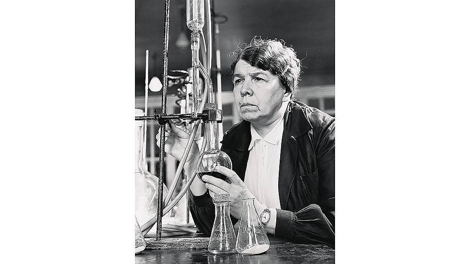 Зинаида Ермольева совершила настоящий подвиг: всамые краткие сроки создала технологию иналадила производство оригинального советского пенициллина --крустозина